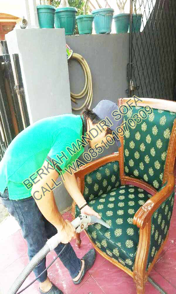 cuci kursi bekasi